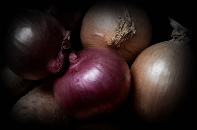 Difference between different types of onions.