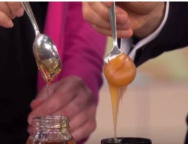 Dr. Oz and woman compare raw honey to pasteurized honey