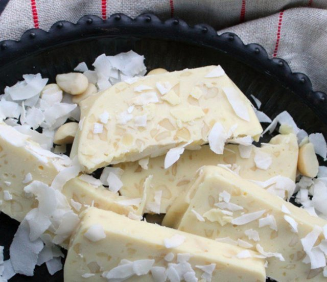 Coconut Macadamia Fudge