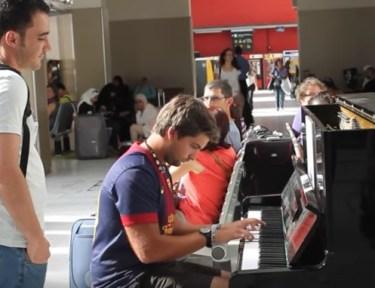 Man does amazing piano improv at the Paris train station.
