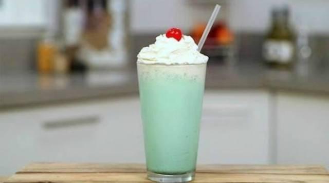 Copycat McDonald's shamrock peppermint milkshake