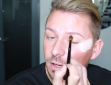 Wayne adds eyeshadow