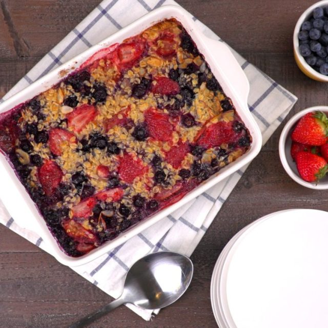 Baked Oatmeal with strawberries and blueberries