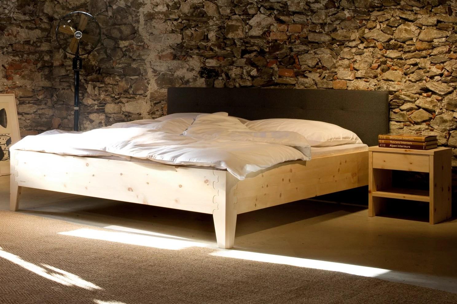 Schlafzimmer Zirbenholz