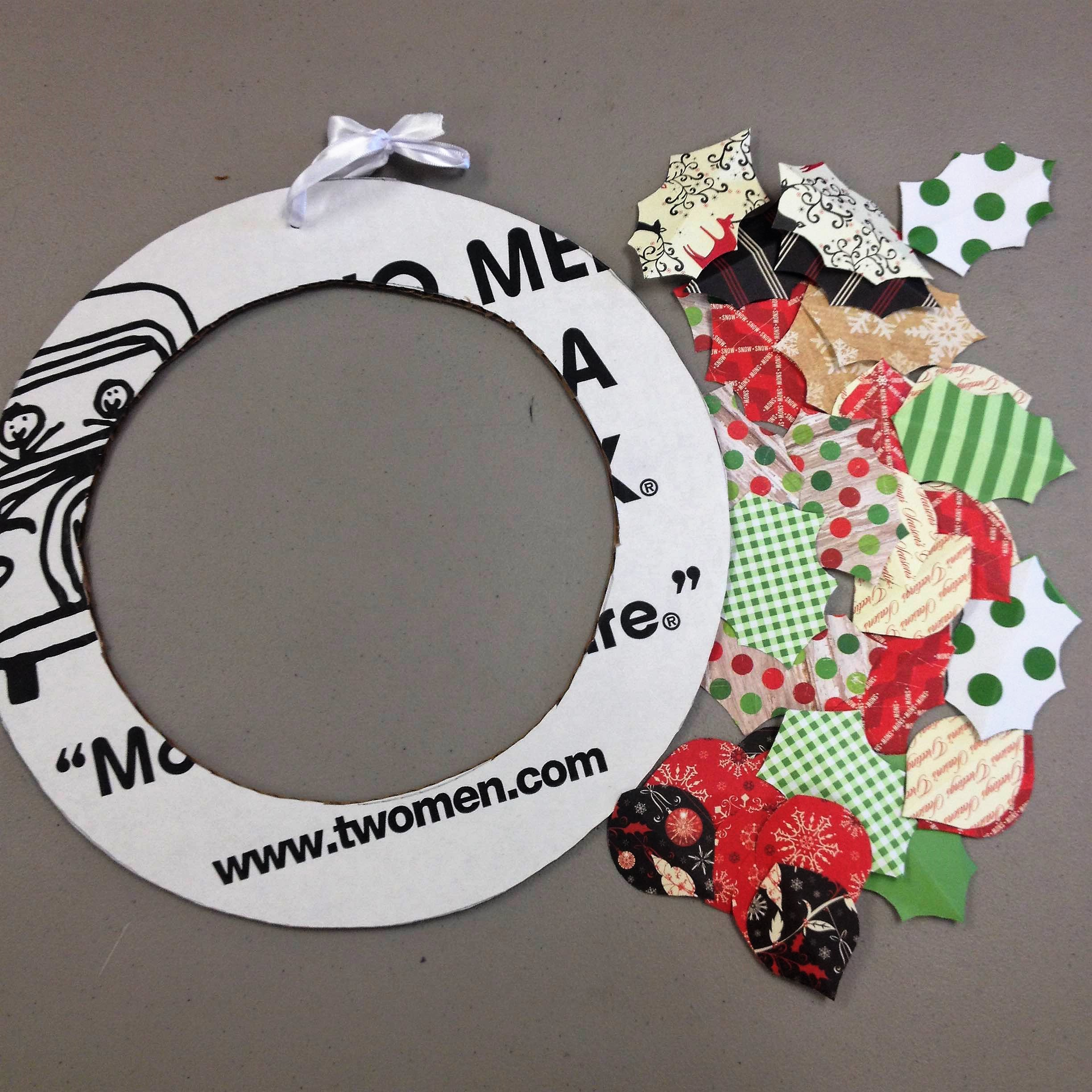 Diy Wreath Supplies Diy Seasonal Wreath From Moving Boxes Movers Who Blog In