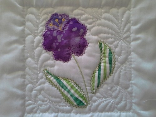 Turn and Sew Applique Quilt Block_page3_image2