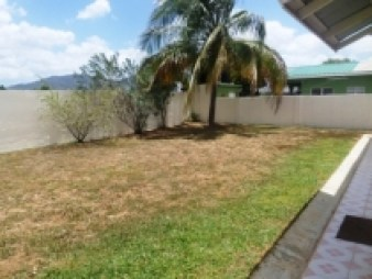 sunrise-park-trincity-house-for-sale-back-yard