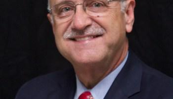 Savell receives regional national teaching award
