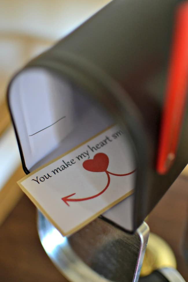 Valentine\u0027s Day Mailboxes + FREE Printable Love Notes