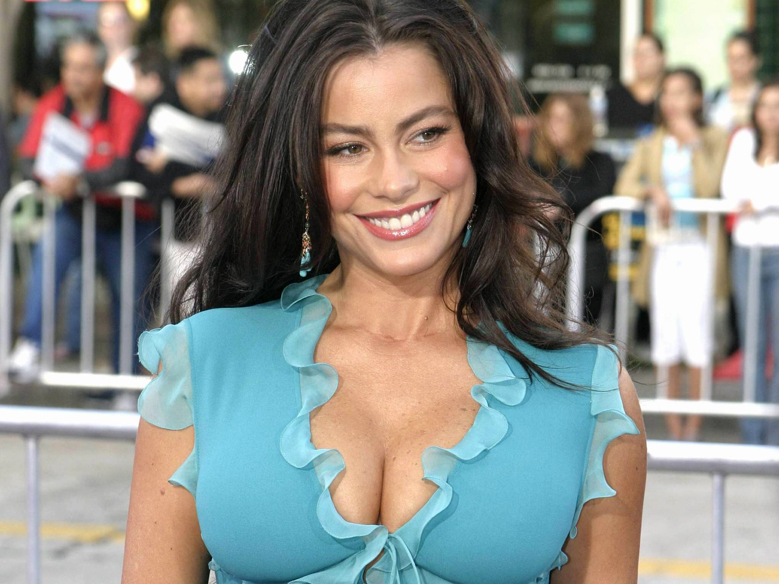 Sofia Vergara Soul Plane Modern Family Actress Gets Hollywood Walk Of Fame Star