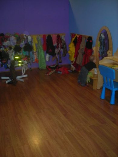 Children's Museum in Oak Lawn - costumes - Toddling Around Chicagoland