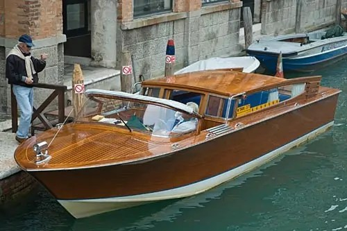 water-taxi-venice