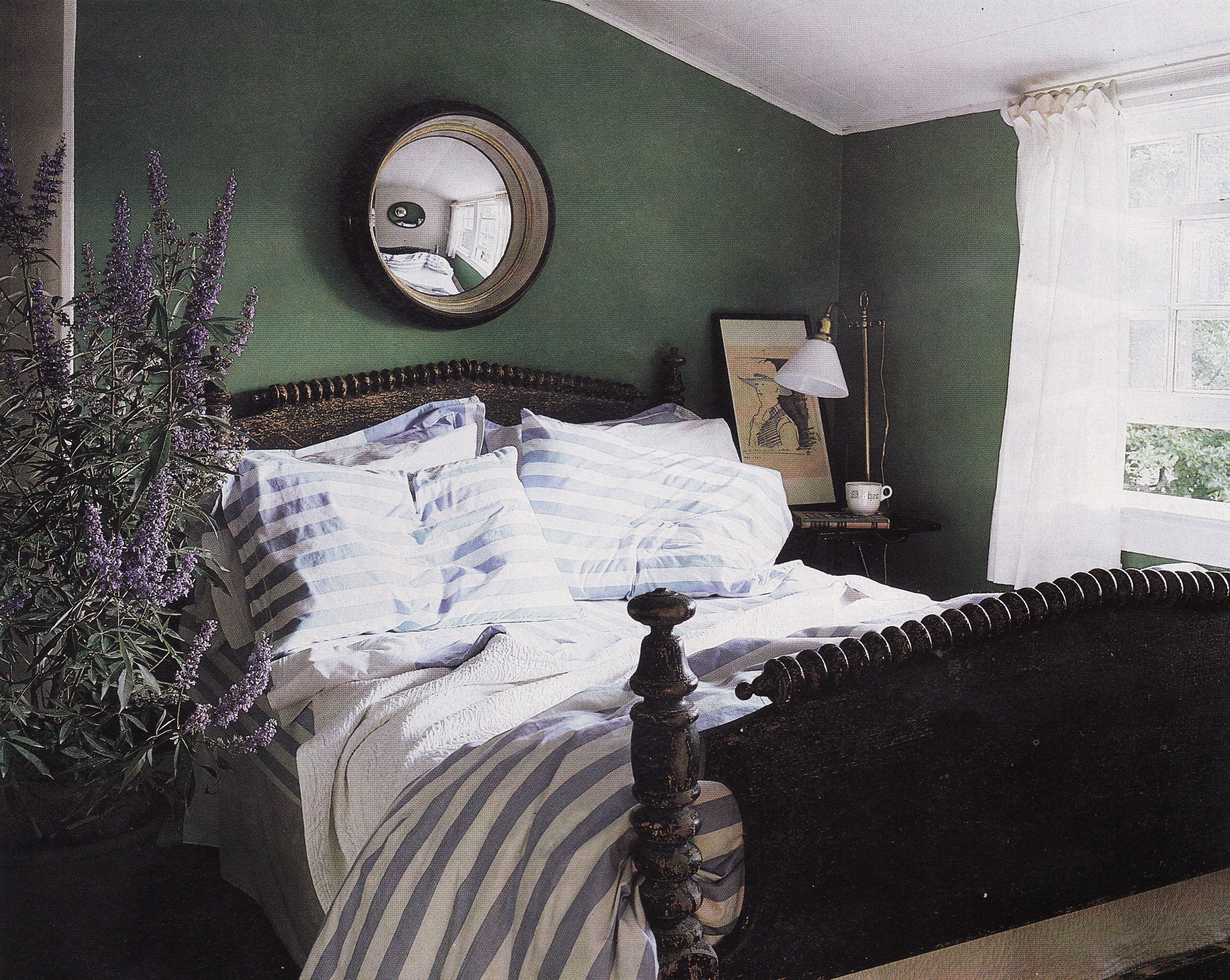 The nest on pinterest black doors green bedroom walls Green and black bedroom