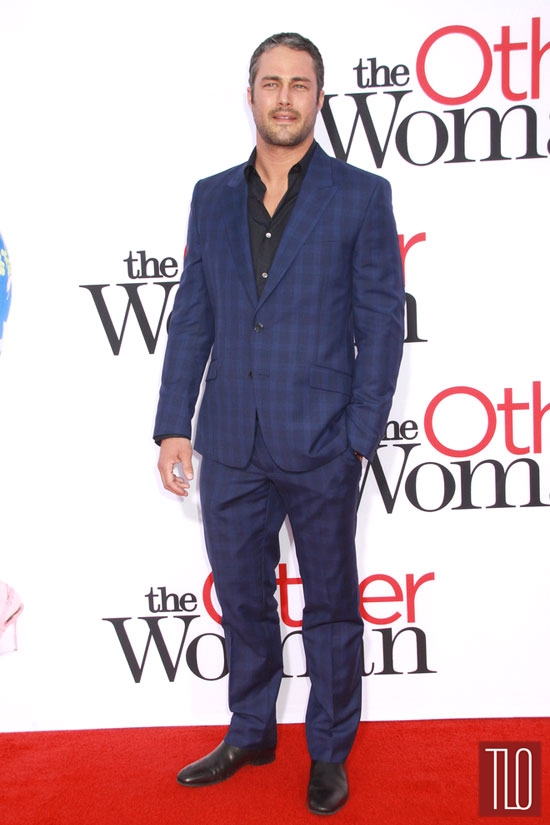 "Tom Tailor Shirt Taylor Kinney At ""the Other Woman"" La Premiere 