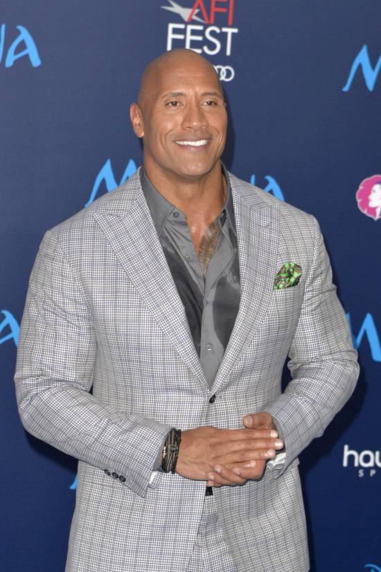 "Tom Tailoe ""sexiest Man Alive"" Dwayne Johnson Fills Out A Suit At The"