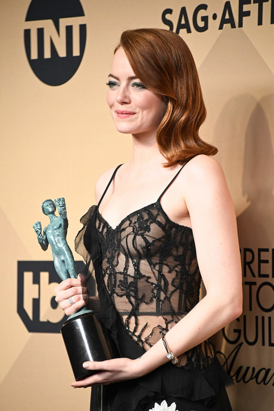 Emma stone s out of context alexander mcqueen at the sag