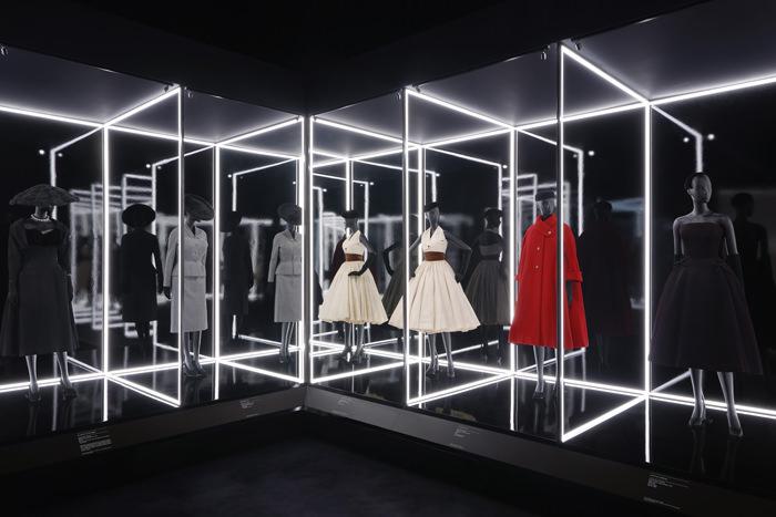 Party Wallpaper Hd Quot Christian Dior Designer Of Dreams Quot Exhibition At
