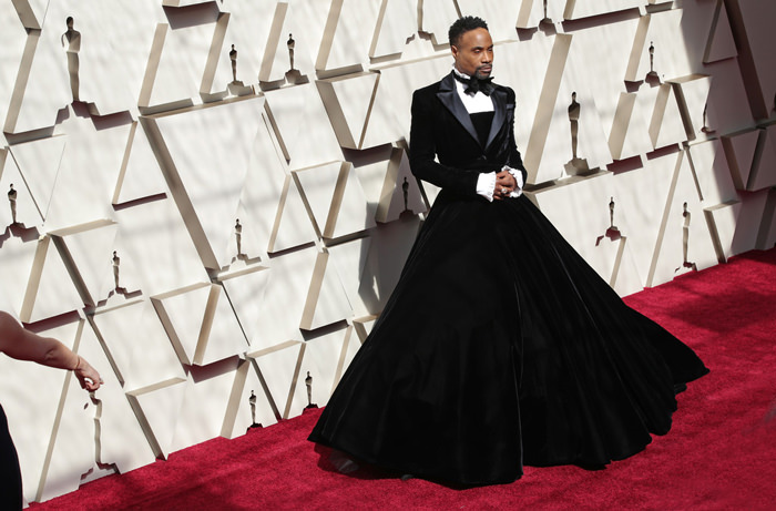 Oscars 2019 Billy Porter Arrives In Christian Siriano