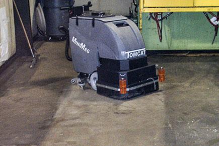 Garage Floor Cleaning Machine. Floor Scrubber Drier Cleaner
