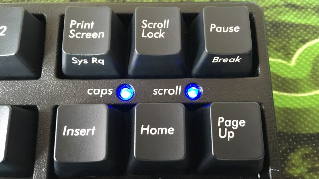 CapsLockやScrollLockのLEDは青色