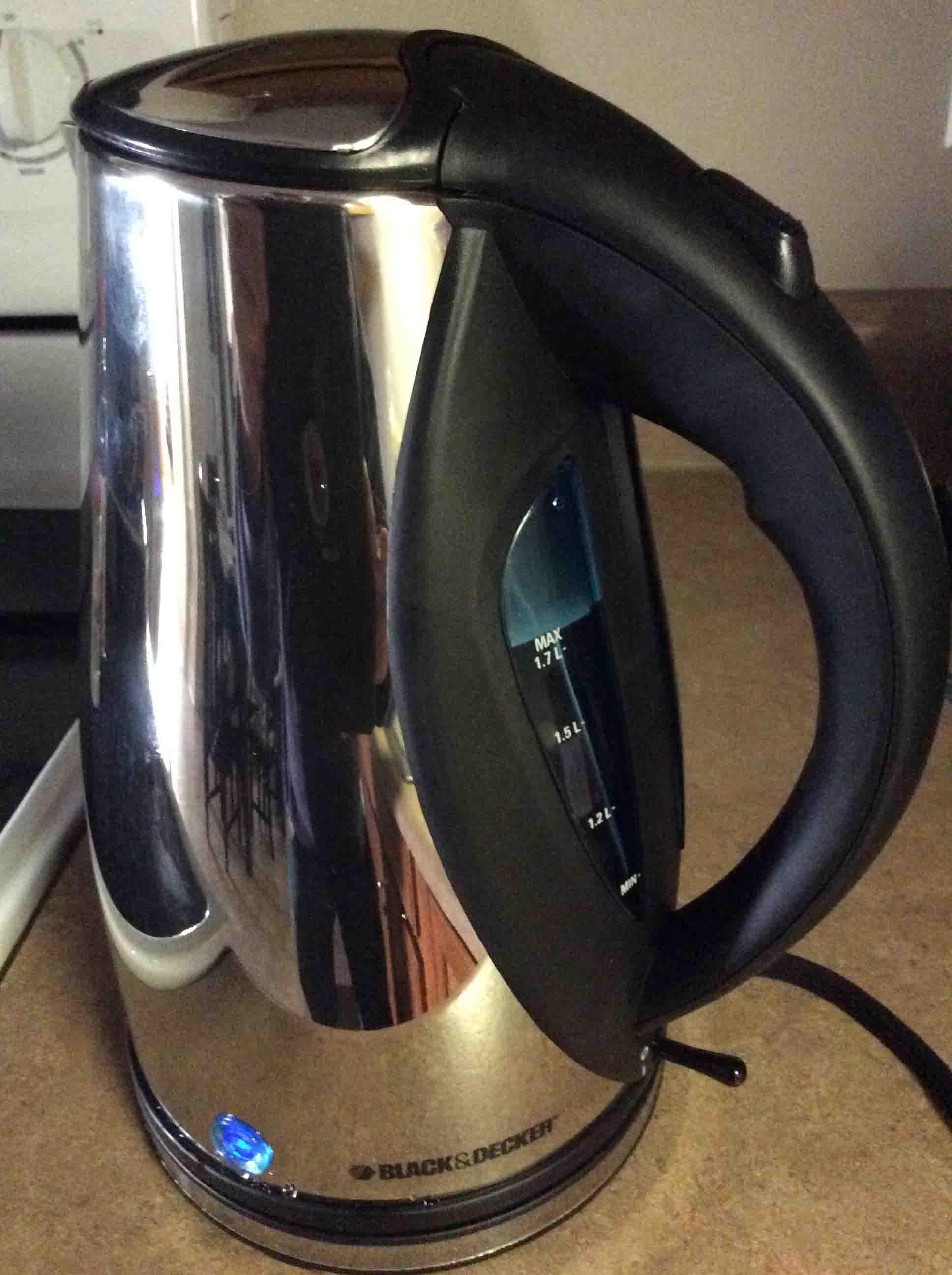 Inside Electric Kettle ~ Cordless water kettle black decker jkc c review tom