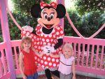 ディズニーランド&シーで子供も楽しめるアトラクションを確認する方法