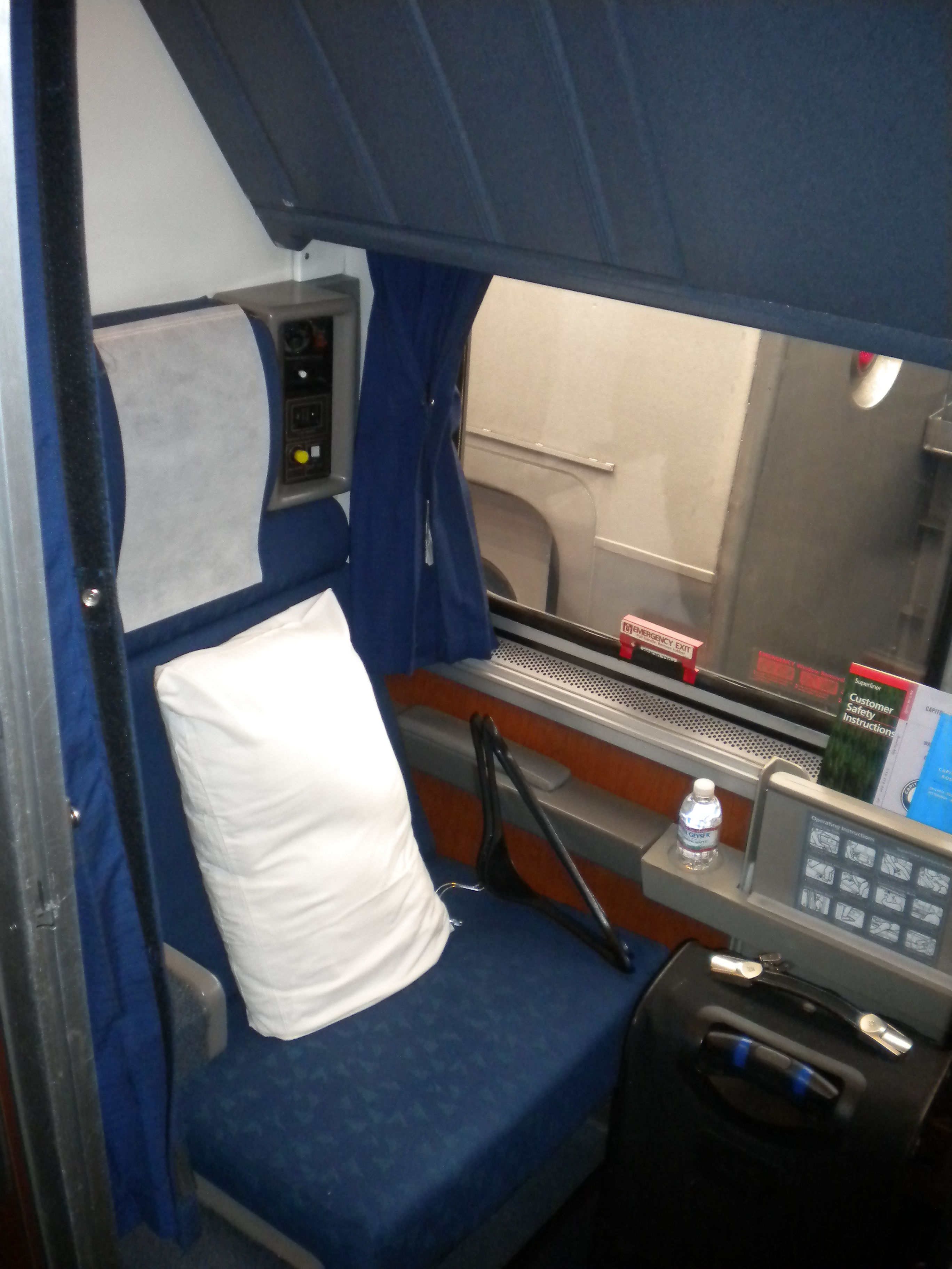 amtrak across the country introduction superliner roomette left side
