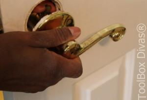 How to Replace a Bedroom & Bathroom Door Knob - Toolbox Divas