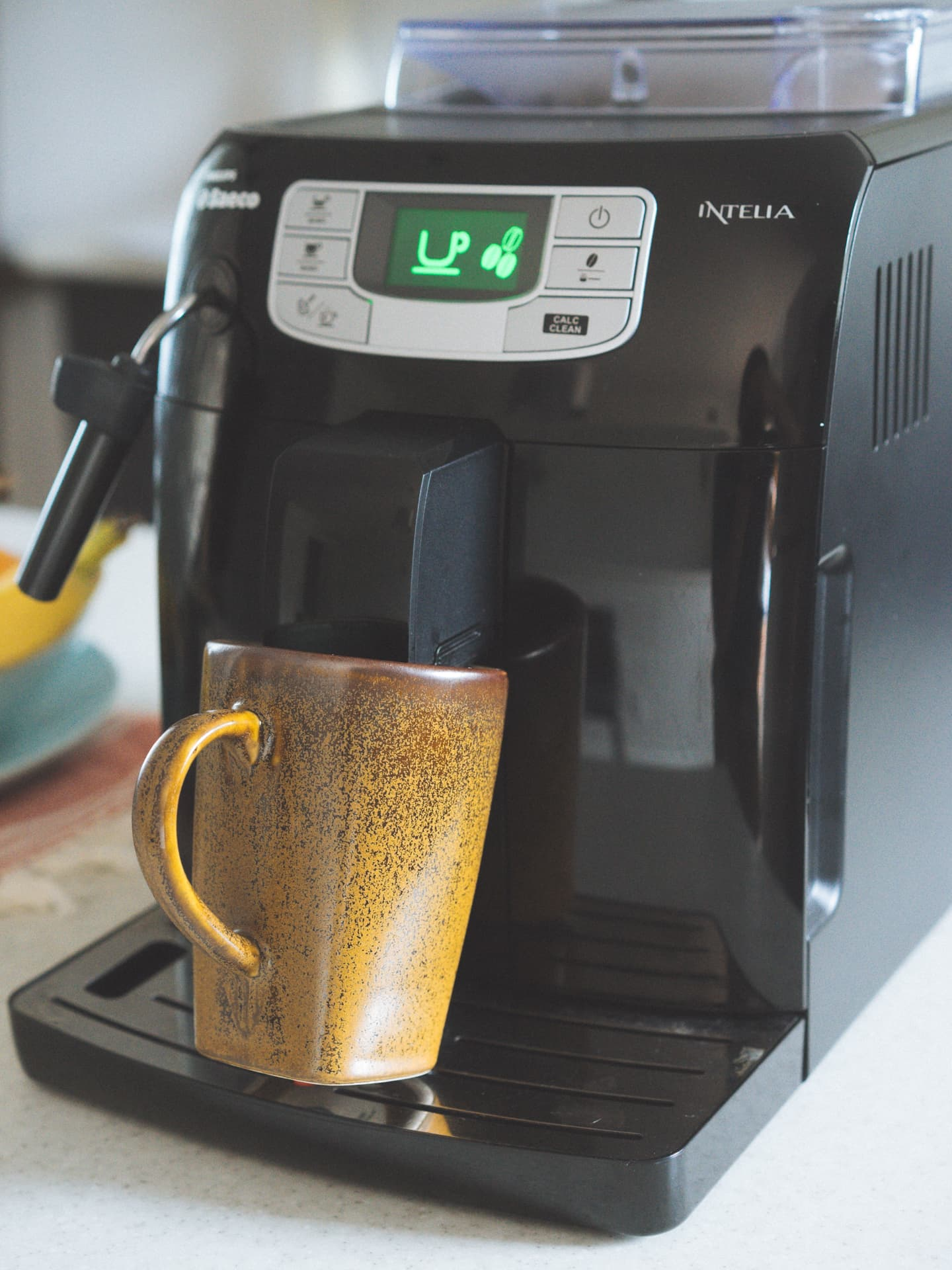 Philip Saeco A Review Of The Philips Saeco Intelia Hd8751 47 Coffee Machine