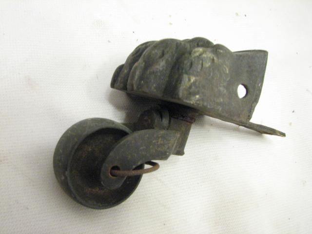 Set 4 Antique Brass Lion's Foot Table Leg Caster Roller