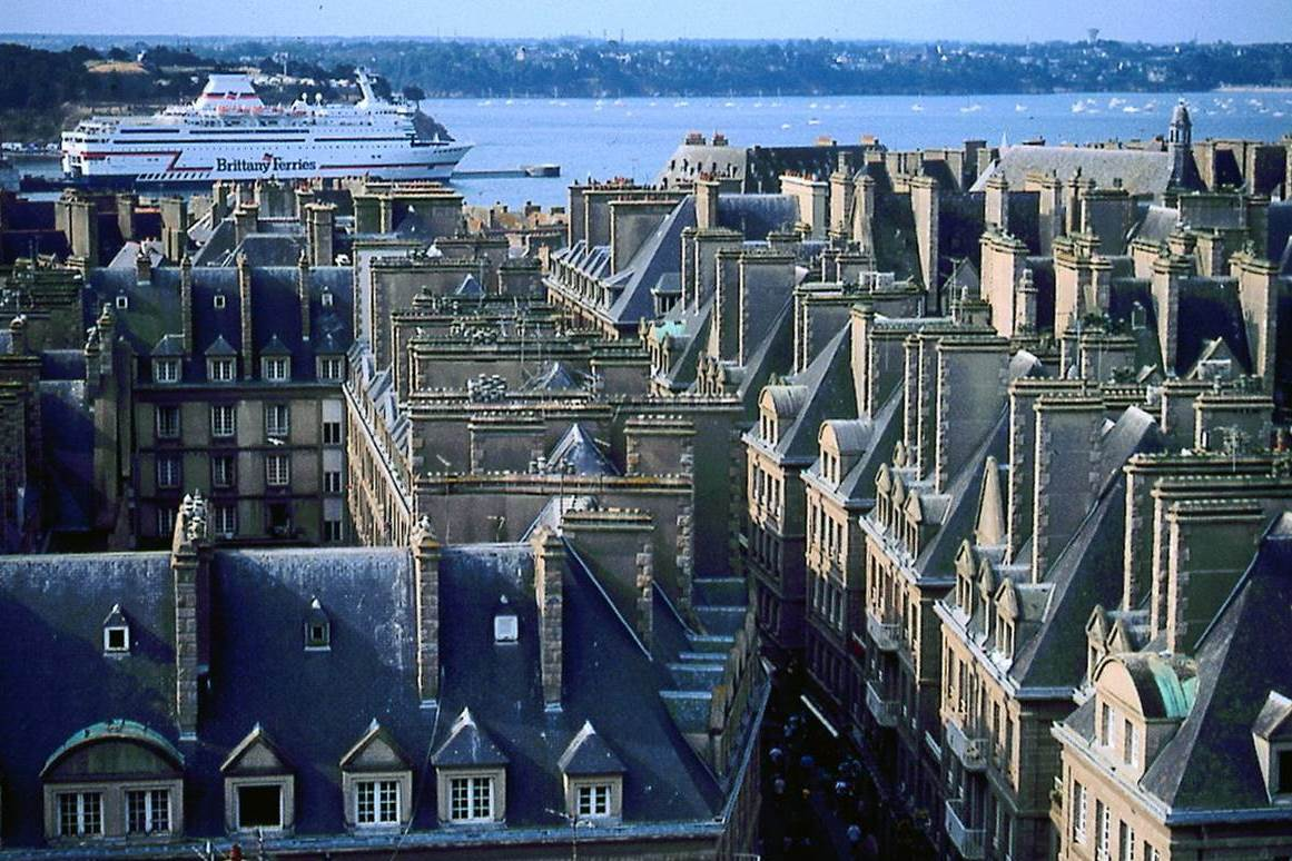 St Malo Bretagne Travel St Malo Wraps It Up Tootlafrance