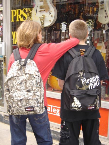 Sac à Dos Noir Top-parents.fr : Sacs Eastpak Flogging Molly | Mode