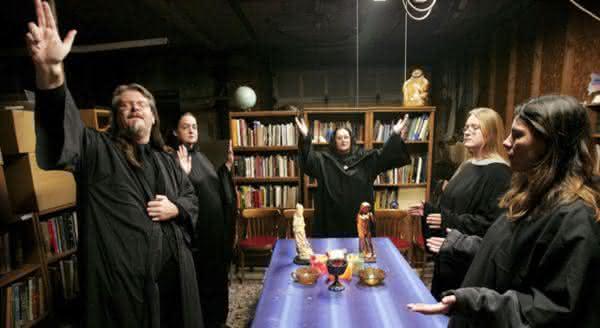 Salem Witch entre as estranhas escolas que voce nao vai acreditar que existem
