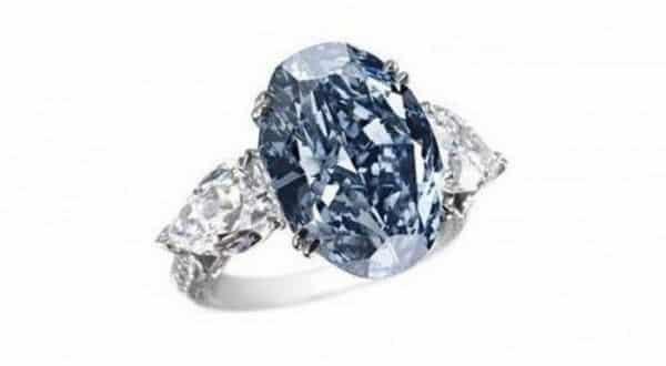 Chopard Blue Diamond Ring entre os anéis mais caros já feitos