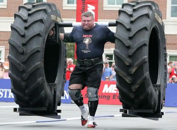 Zydrunas Savickas entre os homens mais fortes do mundo