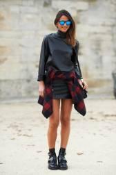 elle-01-plaid-shirt-how-to-dress-thinner-v-xln