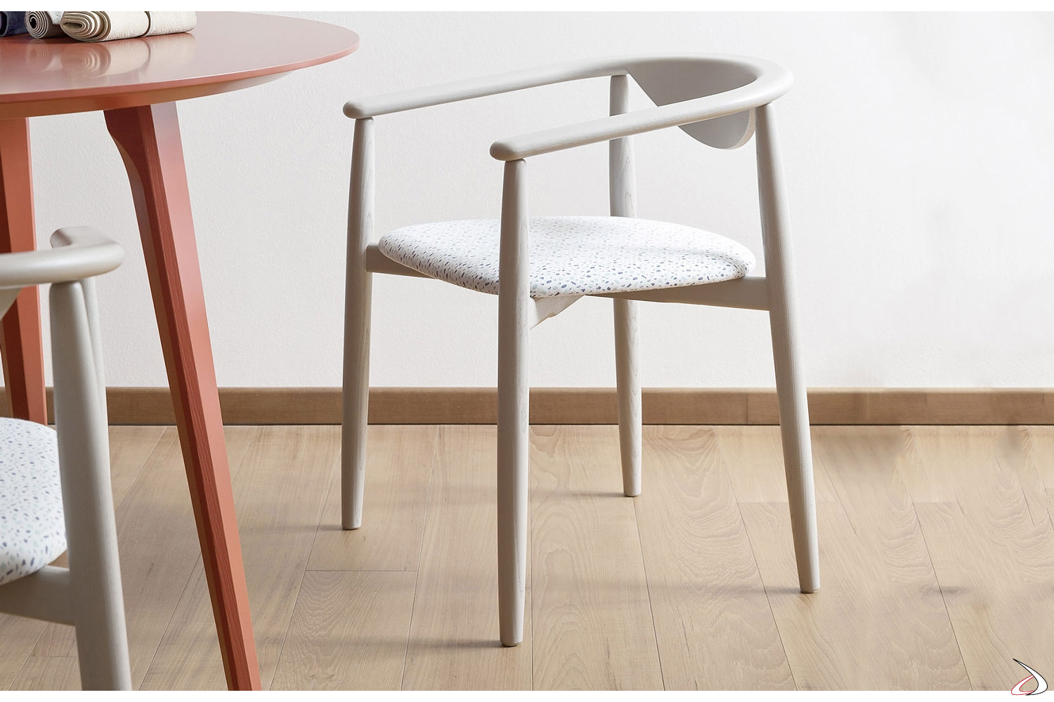Rose Design Wooden And Straw Chair Toparredi