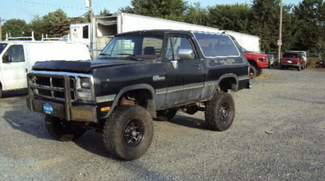 1992 Dodge Ramcharger 4X4 for sale photos, technical specifications