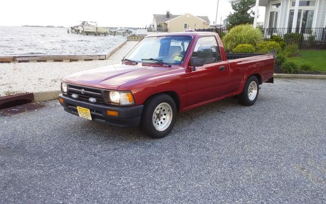 94 Toyota Pickup w/ 22re engine Many Upgrades/maintenance done