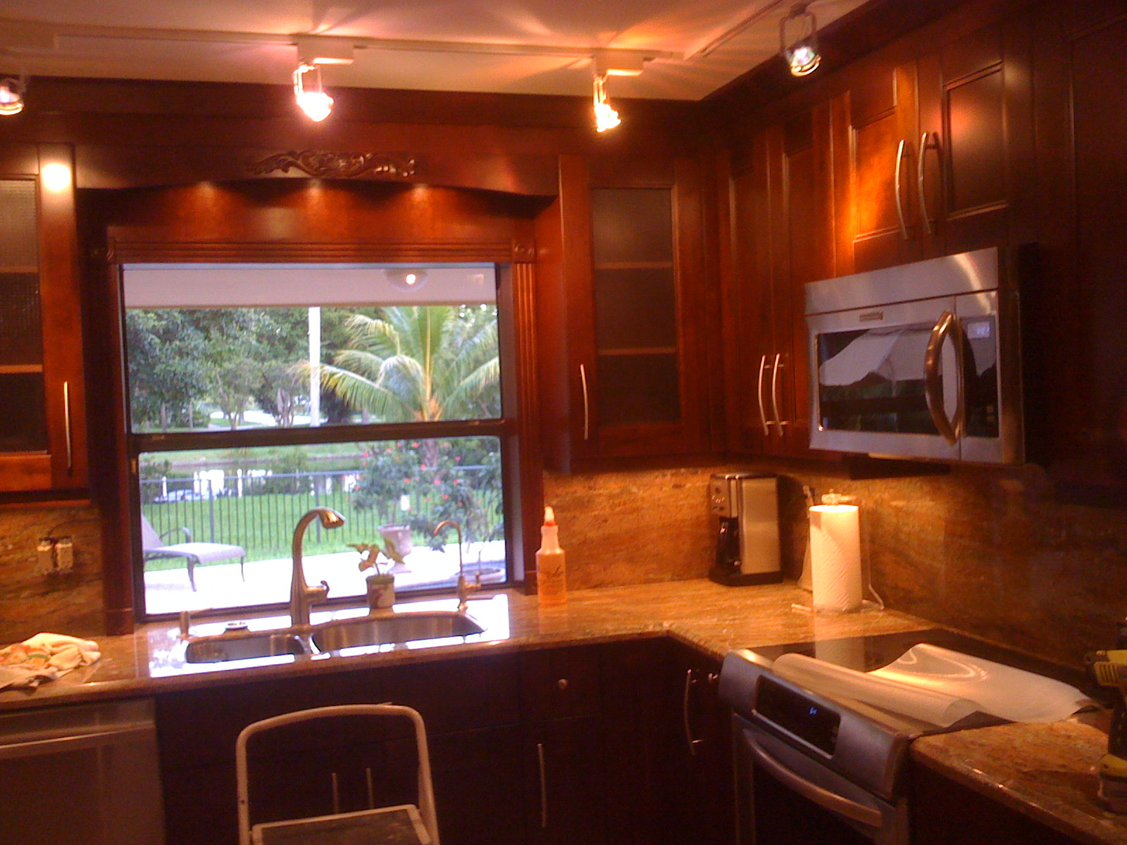 Triangle Island Kitchen Gallery - Kitchen Cabinets And Granite Countertops