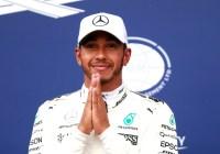 Lewis Hamilton feiert seine 78. Poleposition © Daimler AG