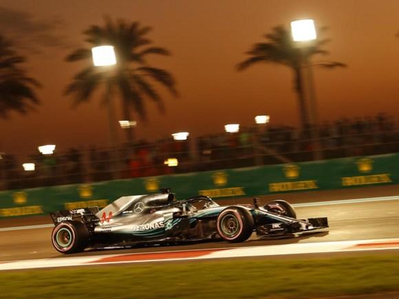 Sieg für Lewis Hamilton im Finale © Daimler AG