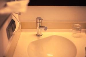 洗面所の蛇口の画像