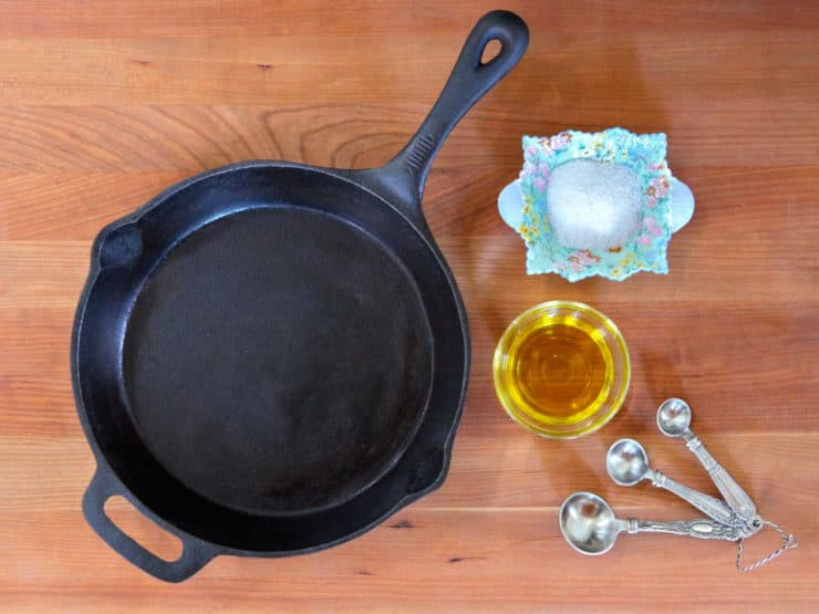 How To Clean And Season A Cast Iron Pan - Easy Tutorial