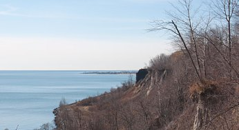 The geography of the Scarborough Bluffs make it difficult to erect safety barriers and signs.