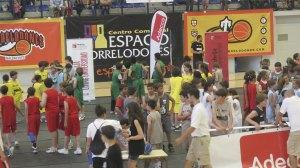 Baloncesto tres contra tres en el Polideportivo de Torrelodones