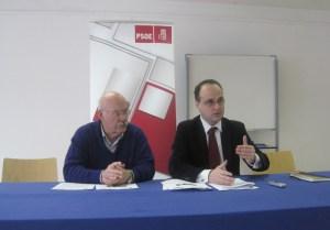 Juan I. Bidart y Erik Uldall - Rueda de Prensa - PSOE Torrelodones - 14-12-2011