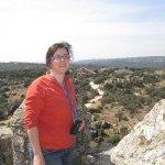 La arqueóloga Julia Marín en la Torre de los Lodones