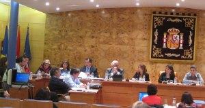 Francisco Carou, Concejal del PP de Torrelodones participando en el Pleno