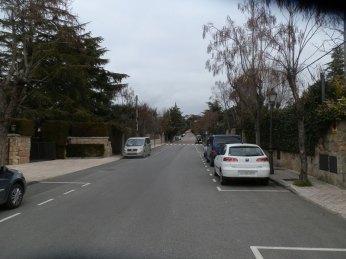 Calle donde se encuentra el chalet robado (no se ve en la imagen)